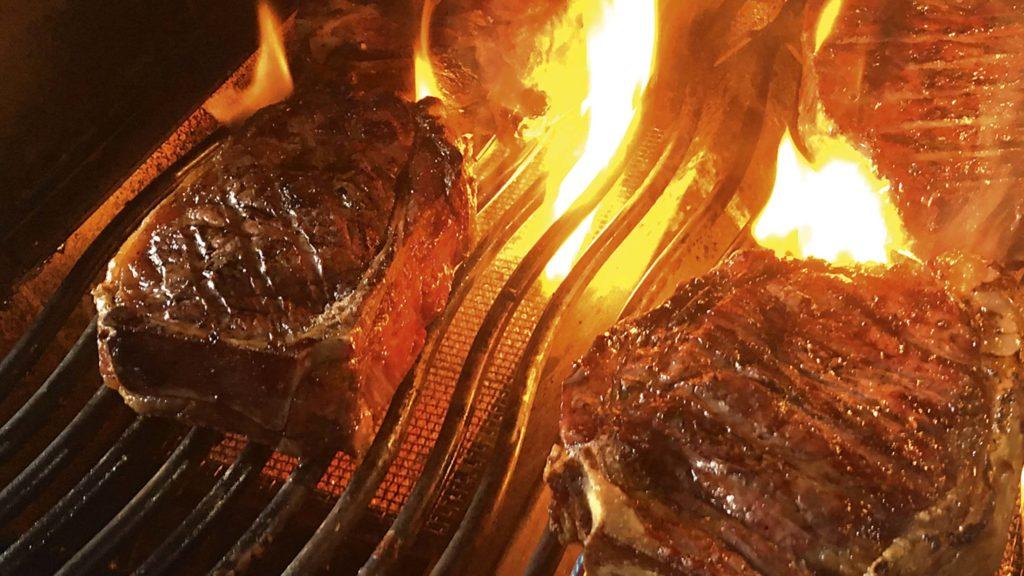 Steaks grillen