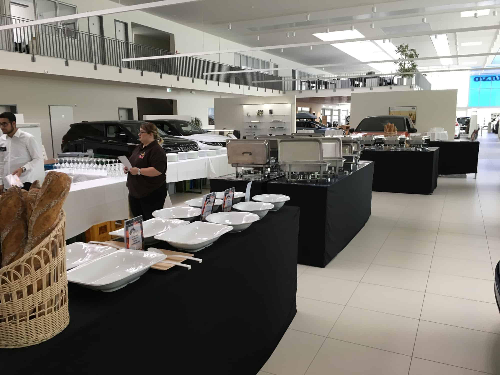 Cateringaufbau Autohaus